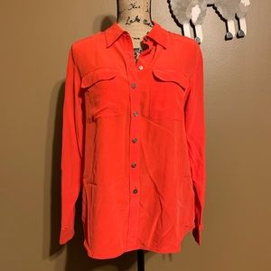Two by Vince Camuto Button Down Top